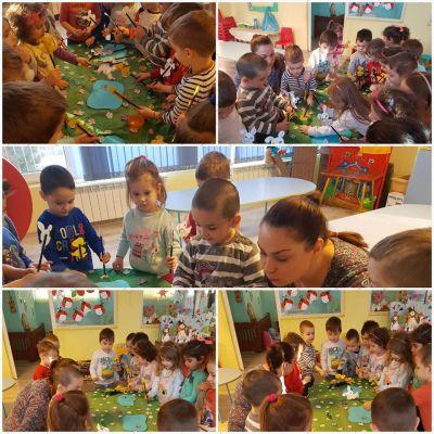 Учител при малките от Първа група за един беше ... - ДГ Светла - Пловдив
